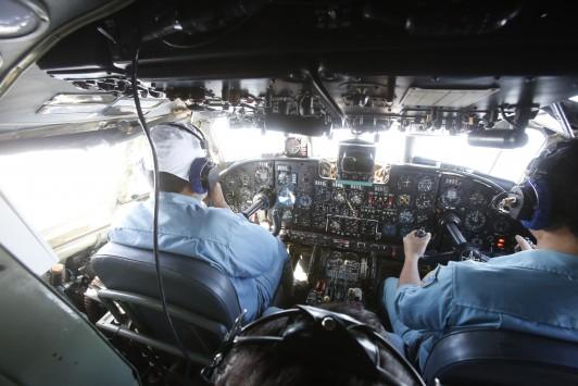 Η αποκάλυψη για τη ρωγμή στο Boeing που ίσως εξηγεί το μυστήριο – Θα μπορούσε να πετά για ώρες με αναίσθητους πιλότους και επιβάτες