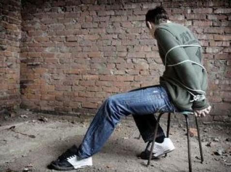 Θεσσαλονίκη: Απήγαγαν 17χρονο και τον ξυλοκόπησαν μέχρι λιποθυμίας!