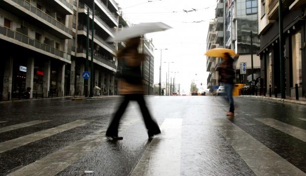 Βροχές και σήμερα - Πιθανότητα καταιγίδας στην Αττική το μεσημέρι