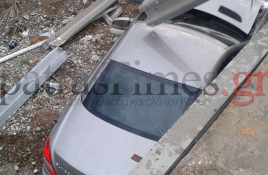 Πάτρα: Έκανε βουτιά από τη γέφυρα με το αυτοκίνητο! (ΦΩΤΟ)