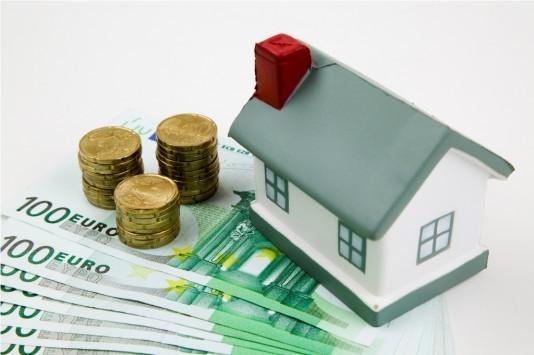 Εκβιασμός δανειστών! Θέλουν να σπρώξουν όλα τα «κόκκινα» δάνεια στους... γύπες της αγοράς αλλιώς θα «βάλουν χέρι» στις καταθέσεις!