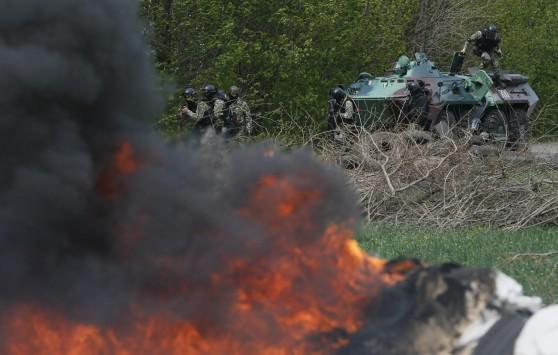 Ουκρανικές δυνάμεις εισβάλουν στο Σλαβιάνσκ – Εντολή στους κατοίκους να εκκενώσουν την πόλη - Αιματηρά επεισόδια και στο Ντόνετσκ