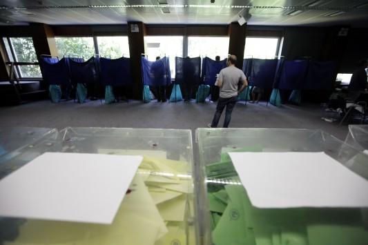 Εκλογές 2014: Αυξήθηκαν οι ανεξάρτητοι υποψήφιοι σε δήμους και περιφέρειες