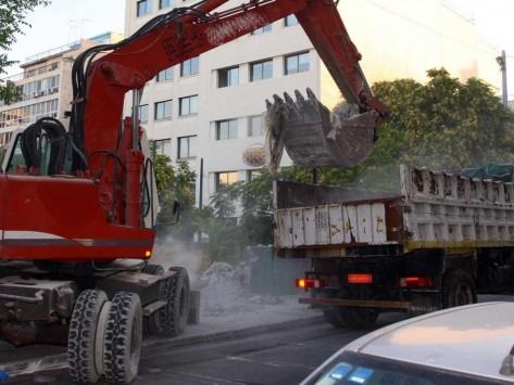 Θεσσαλονίκη: Υπάλληλοι του Δήμου πούλησαν για παλιοσίδερα... δημοτικό σκαπτικό μηχάνημα! - 7 συλλήψεις για την υπόθεση