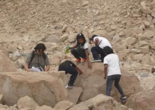Ο σχολικός περίπατος έφερε... ανακάλυψη μούμιας 7.000 ετών!