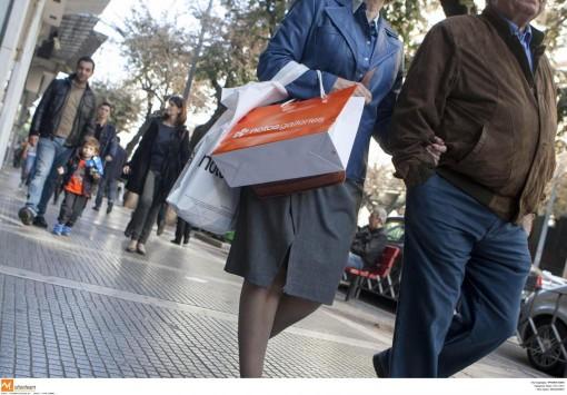 Θεσσαλονίκη: Ανοιχτά τα εμπορικά μαγαζιά του Αγίου Πνεύματος