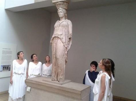 Όταν οι `Καρυάτιδες` συνάντησαν τη χαμένη `αδερφή` τους στο Βρετανικό Μουσείο (ΦΩΤΟ)