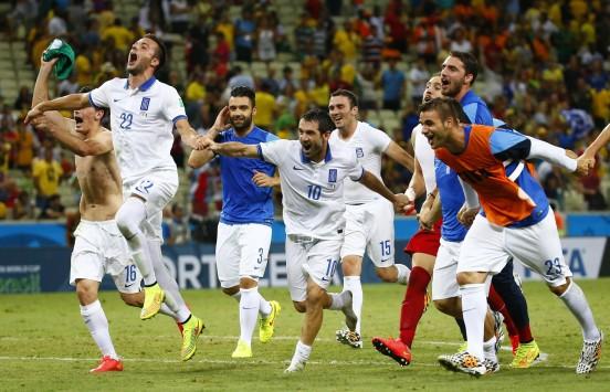 """ΑΘΑΝΑΤΟΙ ΕΛΛΗΝΕΣ! Στους """"16"""" του Mundial η Εθνική που """"πάτησε"""" την Ακτή Ελεφαντοστού"""