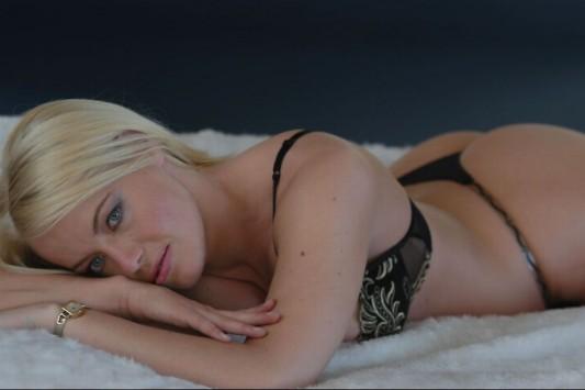 Gwyneth Montenegro: Έκανε σεξ με 10.091 άνδρες και έγραψε βιβλίο (ΦΩΤΟ και VIDEO)