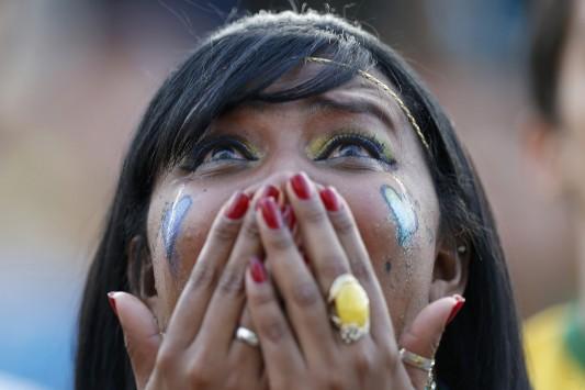 ΣΟΚ και ΔΕΟΣ! Μουντιάλ 2014: Οι Βραζιλιάνοι κλαίνε στις κερκίδες (VIDEOS)