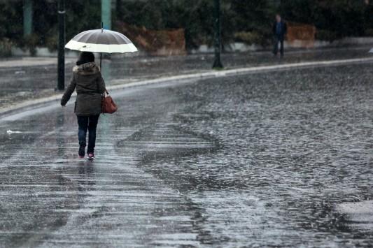 Ξαφνικός χειμώνας! Βροχές και... χαλάζι την Τρίτη!
