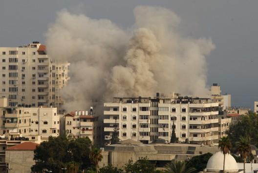 Η σφαγή των αμάχων - Νέοι βομβαρδισμοί τη Γάζα σκότωσαν οικογένεια - Ξεπέρασαν τους 580 οι νεκροί
