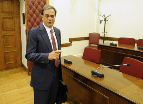 Αυστηρό μήνυμα Χαρδούβελη προς δικαστές: Δεν αποφασίζετε εσείς για μισθούς