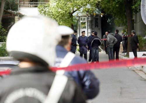 Άγριο έγκλημα στα Καμίνια - Τον σκότωσαν μέσα στο σπίτι του