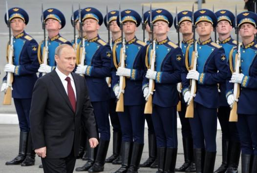 Επίδειξη δύναμης από τον Πούτιν στην ημέρα του ρωσικού στόλου (PHOTOS)