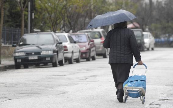 Ανεβαίνει κι άλλο η θερμοκρασία την Πέμπτη - Βροχερός ο καιρός το Σαββατοκύριακο