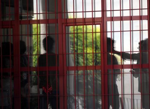 """Δημόσιο: τη Δευτέρα """"κλειδώνουν"""" 6.500 απολύσεις υπαλλήλων"""