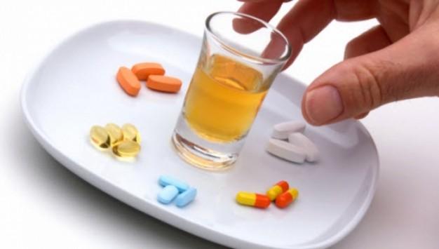 Παίρνω αντιβίωση! Μπορώ να πίνω αλκοόλ;