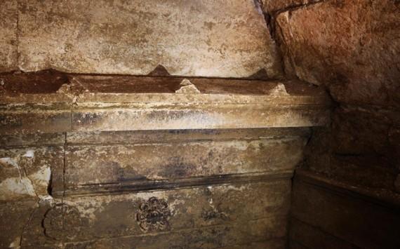 Νέα αποκάλυψη στον τύμβο της Αμφίπολης – Διπλή είσοδος με εντυπωσιακό διάκοσμο