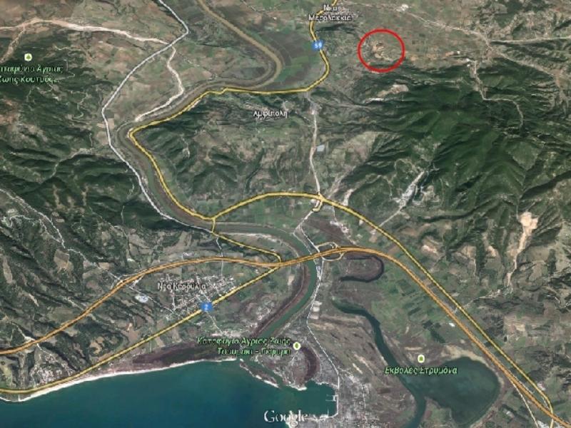 Στο εσωτερικό του κόκκινου κύκλου η ανασκαφική περιοχή - Φωτό - Googlemaps