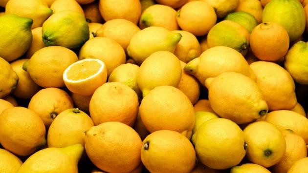Κορινθία: Ανήλικος έκλεψε δέκα τόνους λεμόνια!