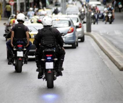 Θεσσαλονίκη: Πέθανε αστυνομικός της ΔΙ.ΑΣ. μετά από ατύχημα - Τα λάδια στο δρόμο του στοίχισαν τη ζωή!