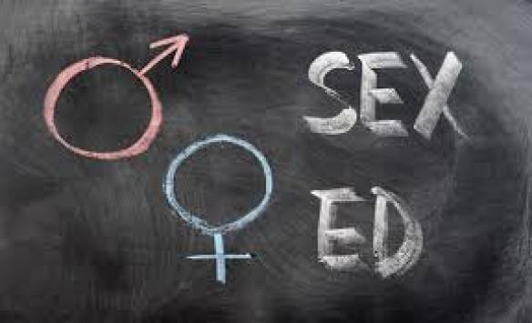 Υπ. Παιδείας: Γιατί αφαιρέσαμε το κεφάλαιο της σεξουαλικής διαπαιδαγώγησης από την ύλη της Α' Γυμνασίου