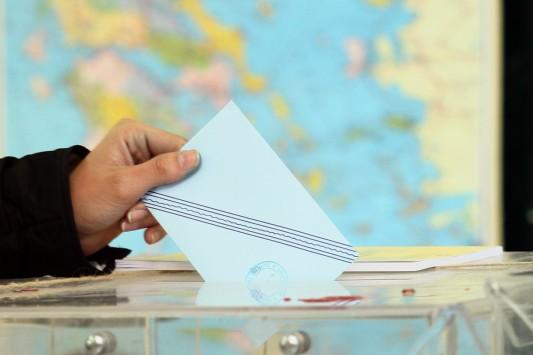 Πρώτο τον ΣΥΡΙΖΑ με διαφορά 11 μονάδων δίνει νέα δημοσκόπηση