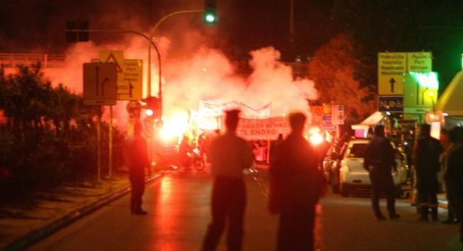 Η διαδήλωση των οπαδών του Ολυμπιακού στον ΣΚΑΪ