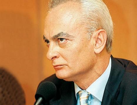 Πέθανε ο δημοσιογράφος Τριαντάφυλλος Δραβαλιάρης