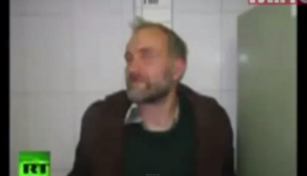 Ξέθαψε 150 κορίτσια και τα πήρε σπίτι του! (ΦΩΤΟ και VIDEO)