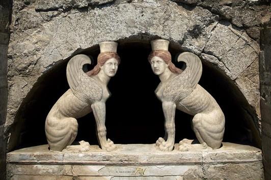 Αμφίπολη: Νέα ευρήματα στα χώματα του τρίτου θαλάμου - Θέμα χρόνου οι νέες σημαντικότατες ανακοινώσεις για τις ανασκαφές - Τι ''δείχνουν'' οι σφίγγες!
