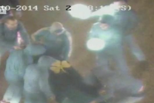 Bίντεο ντοκουμέντο: Έκαψαν φέρετρο με το σήμα του Παναθηναϊκού έξω από τον ΣΚΑΪ - Εμφανίστηκαν με αναμμένα κεριά στις εγκαταστάσεις του ομίλου!