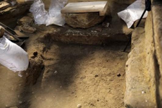 Αμφίπολη: Έχετε πίστη! Τίποτα δεν έχει τελειώσει - Η αρχαιολόγος Ντόροθι Κινγκ λέει ξεκάθαρα: «Ο Τύμβος αναπτύσσεται προς τα κάτω»