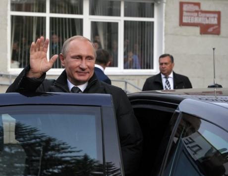 Το... tsar-mobile και ο Πούτιν που τις `βρέχει` στον Ομπάμα! (ΦΩΤΟ)