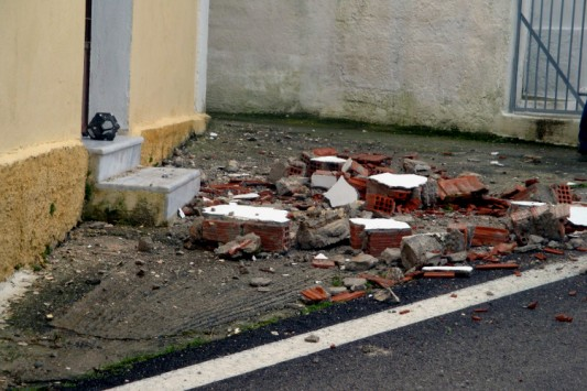 Σε ετοιμότητα για τον σεισμό 4,8 Ρίχτερ στο Αίγιο - Τι ζημιές προκάλεσε σε κτίρια