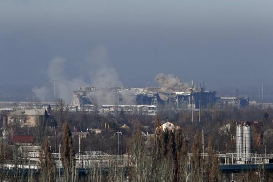 Νέοι βομβαρδισμοί στο Ντονέτσκ - Κλιμακώνεται η ένταση στην ανατολική Ουκρανία