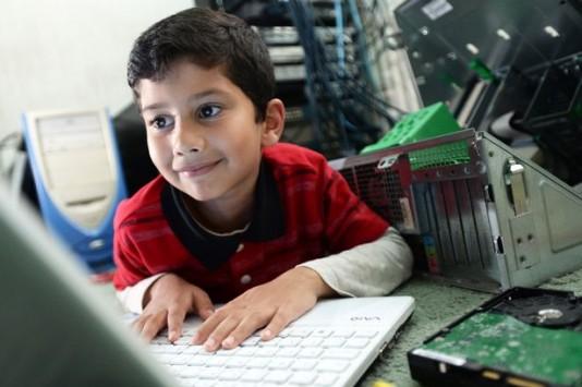 O 6χρονος Bill Gates που λύνει και δένει με τους υπολογιστές