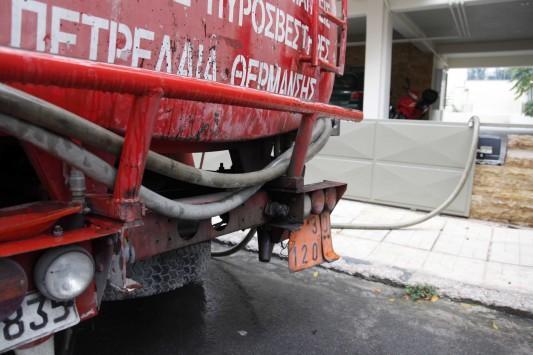 Κάτω από 1 ευρώ το πετρέλαιο θέρμανσης, μειώσεις και στη βενζίνη
