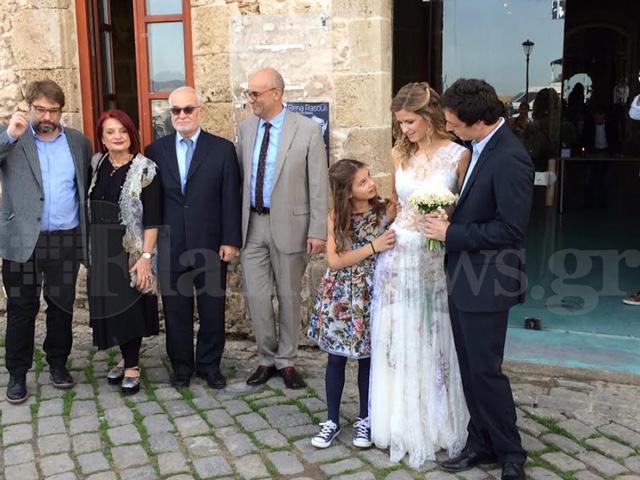 Χανιά  Ρομαντικός γάμος της κόρης γνωστής επιχειρηματία στην παλιά ... df1668a3c38