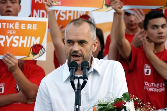 Αλβανία: Γνωστός δικηγόρος απειλούσε τον Έντι Ράμα μέσω SMS