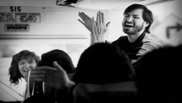 Δείτε μερικές ακυκλοφόρητες φωτογραφίες του Steve Jobs!