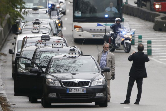 """Νέο σοκ στη Γαλλία: Οδηγός φώναξε """"Ο Θεός είναι μεγάλος"""" και τραυμάτισε 11 άτομα!"""