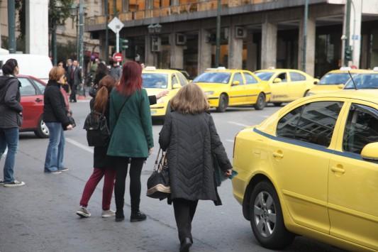 Οδηγίες στους επιβάτες των ταξί - Τι να προσέχετε για να μην σας... κλέψει το ταξίμετρο