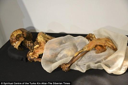 Η 2.500 ετών μούμια που τρομοκρατεί τη Ρωσία - Την ξέθαψαν πριν 21 χρόνια και φοβούνται πως τους καταράστηκε
