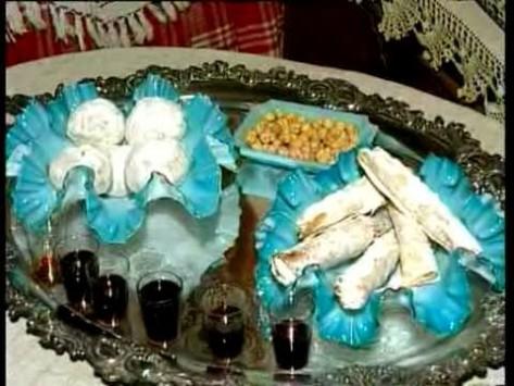 Λέσβος: Το αμίλητο νερό και το σπάσιμο του ροδιού - Δείτε τα Χριστουγεννιάτικα έθιμα του νησιού (Βίντεο)!