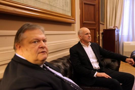 Δύο εχθροί μέσα στο ίδιο κόμμα! Κεραυνοί άνευ προηγουμένου από Βενιζέλο σε Παπανδρέου - `Σε κάναμε πρόεδρο και πρωθυπουργό`