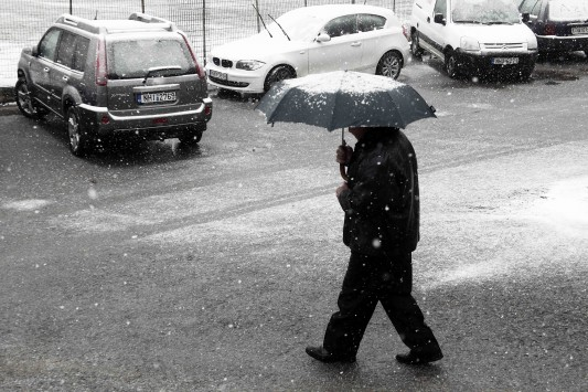Χιονιάς και θύελλες στα πελάγη – Βαρύς χειμώνας στην αλλαγή του χρόνου