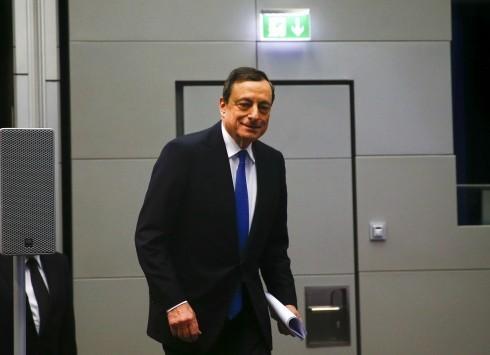 Ντράγκι: Η ΕΚΤ θα αγοράσει πάνω ένα τρις κρατικά ομόλογα - Με προσθετα κριτήρια θα συμπεριληφθούν Ελλάδα και Κύπρος στο πρόγραμμα