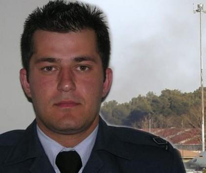 Ηλεία: Σπαραγμός στο Στρούσι για τον αδικοχαμένο σμηναγό Θανάση Ζάγκα - Το μεσημέρι η κηδεία του στην Αθήνα!